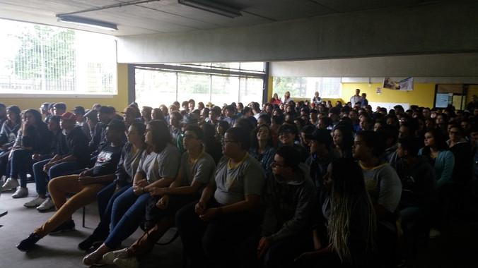 Palestra para alunos da Escola Estadual Pedro Cia em Santo André - SP