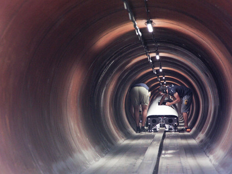 Designing the Hyperloop tube: geometry and material choice
