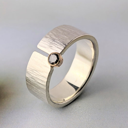 Hammered Silver Band with Salt and Pepper Diamond