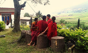giovani monaci a Punakha