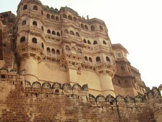 """Il forte Mehrangarh a Jodhpur """"città blu"""""""