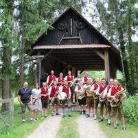 Gruppe Brücke weit (2).JPG