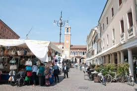 mercato rovigo.jpg