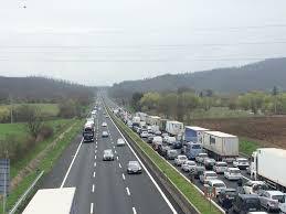 Chi paga i danni in caso di Incidenti per detriti in autostrada?