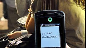 POSSO SCRIVERE SULLO SMARTPHONE MENTRE GUIDO?