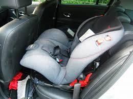 SEGGIOLINO IN AUTO PER BAMBINI: omicidio colposo se non assicurato ai sedili