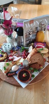 ontbijt met tijdschrift