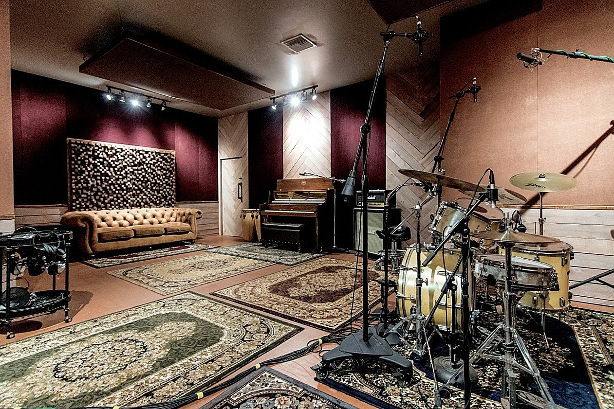 music studio, studio space for rent, cheap recording studio, music room, video production, music vid
