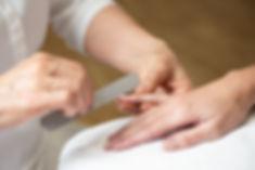 Handpflege, Nägel färben; Kosmetik_plus.