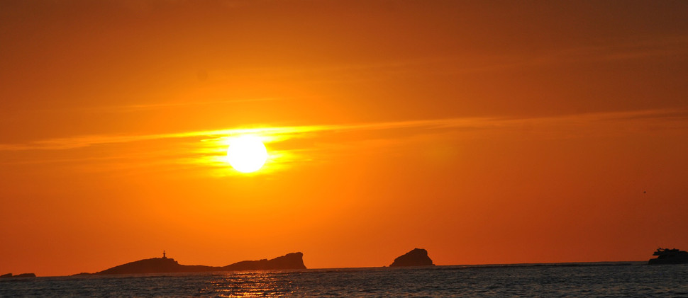 sunset-4459149_1920.jpg