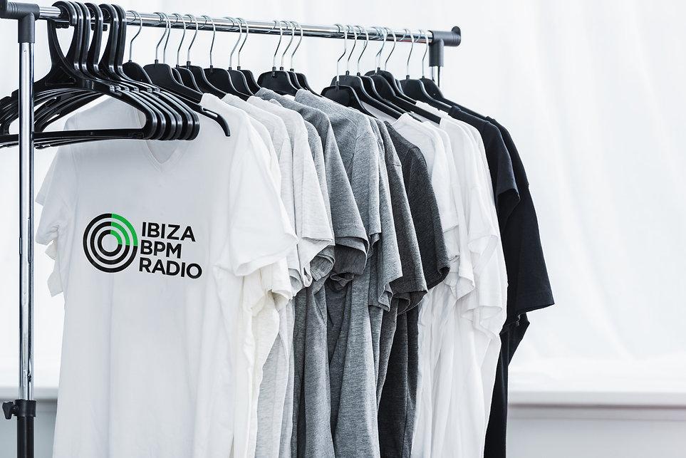 Camisetas Colgadas_OK.jpg