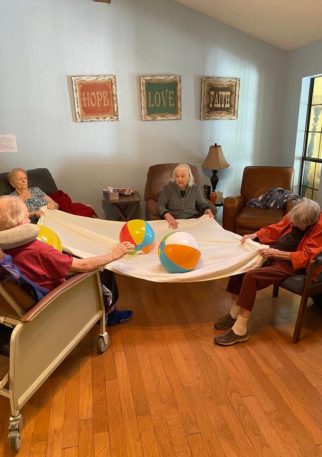 senior residents exercise | 4 seasons senior living