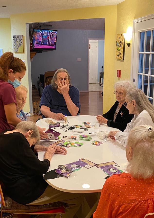 residents halloween | 4 seasons senior living