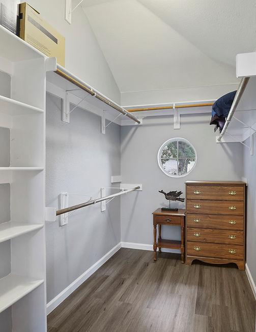 Private Room Closet | Residential Senior Care Home | 4 Seasons