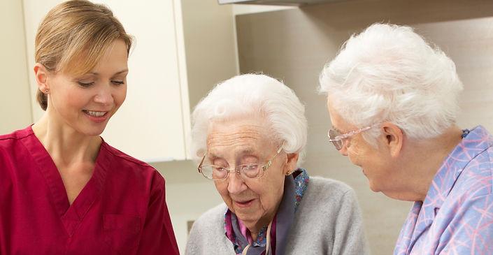Caregiver preparing tea for seniors | In-home care | Home Care 4 Seniors
