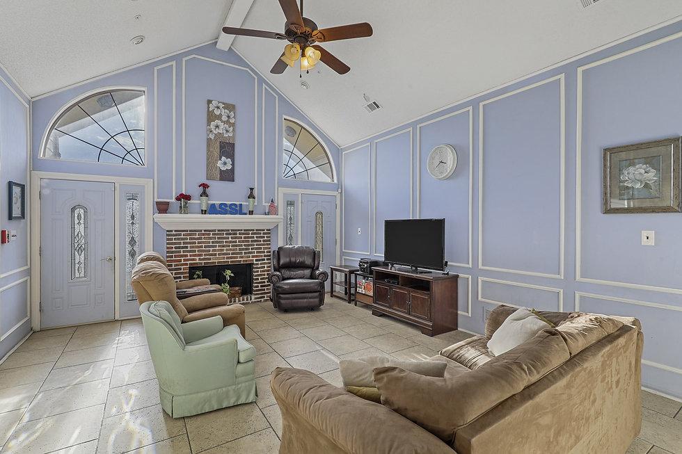 Family Room | Group Home Amenities | 4 Seasons Senior Living