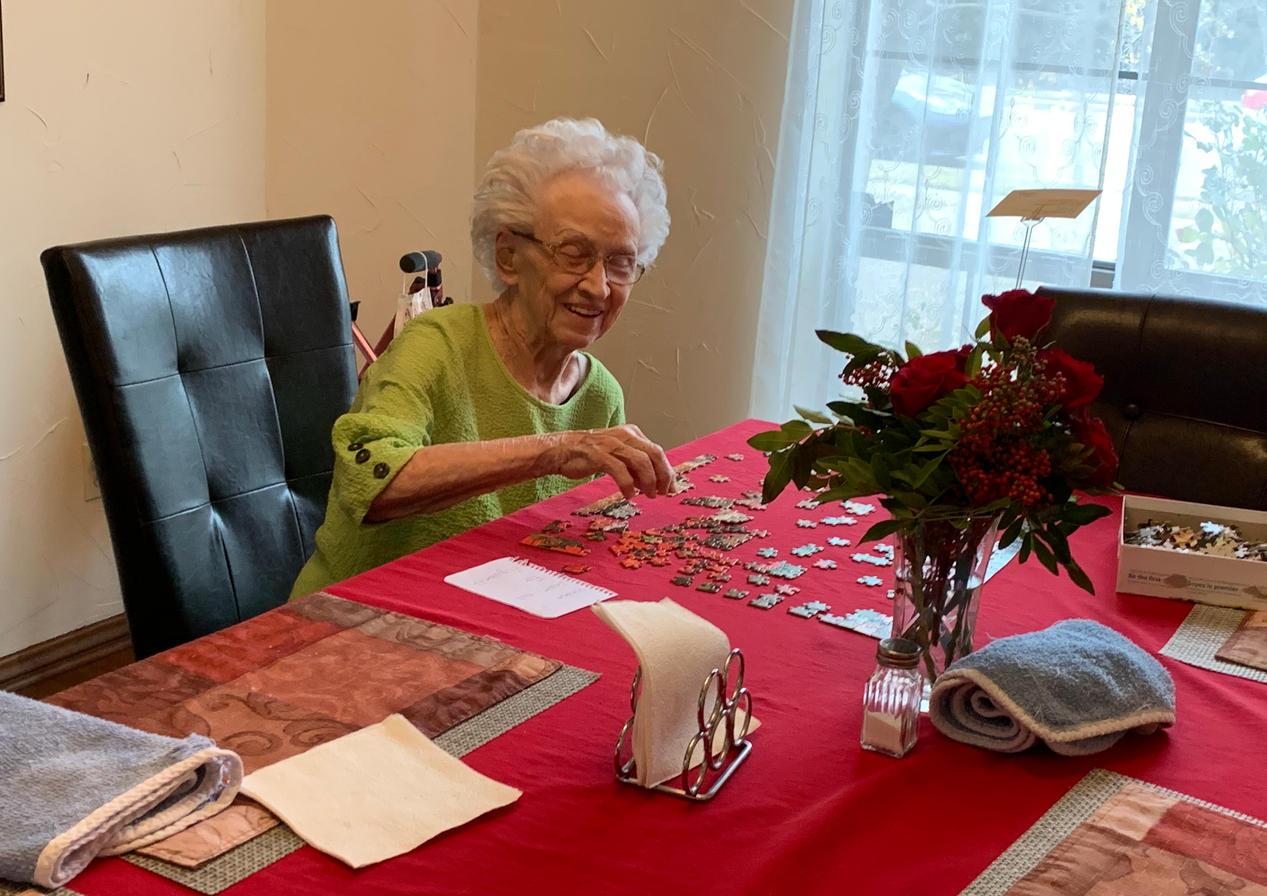 senior resident puzzle | 4 seasons senior living