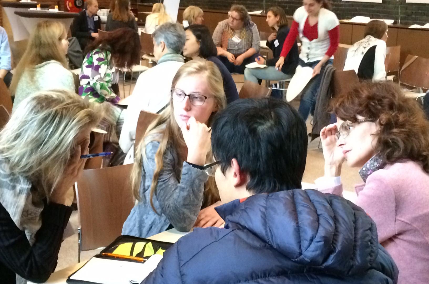 Stimulating-Conversation-at-the-Internat