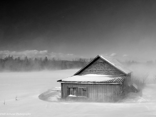 "Winter Barn    16"" x 20"""