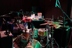 Das Setup: Perkussion, viel Foley, 2 Keys und 4 Sprecher