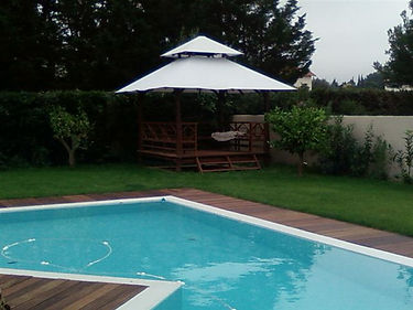 type plénitude intégré à la piscine