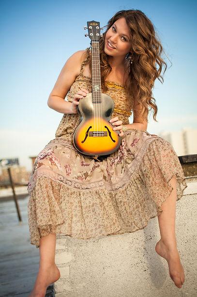 Shira Averbuch ukulele