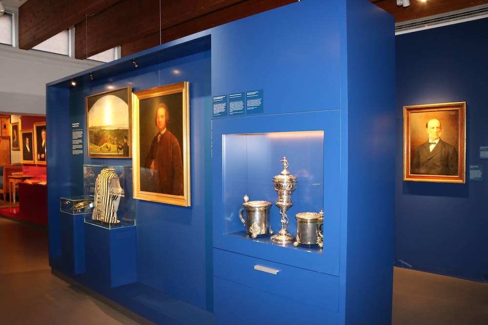Wertvolles Silber aus dem Baltikum wird in der neuen Deutschbaltischen Abteilung des Ostpreußischen Landesmuseums in Lüneburg präsentiert