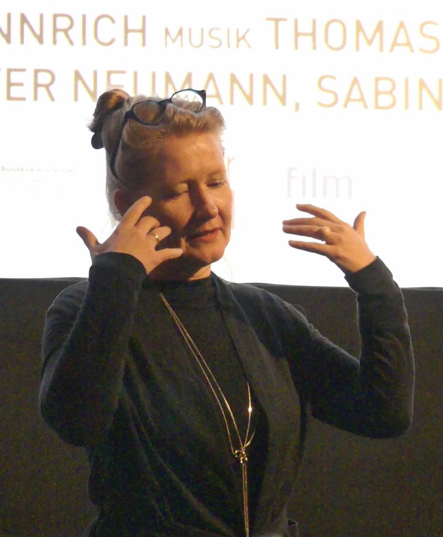 """Intensiv und packend schildert Bettina Henkel in ihrem Film """"Kinder unter Deck"""" die Aufarbeitung der Vergangenheit bei einer Reise mit ihrem traumatisierten Vater ins Baltikum."""