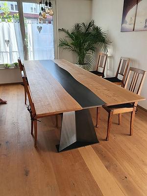 Holztisch Frei Holzbau.jpg