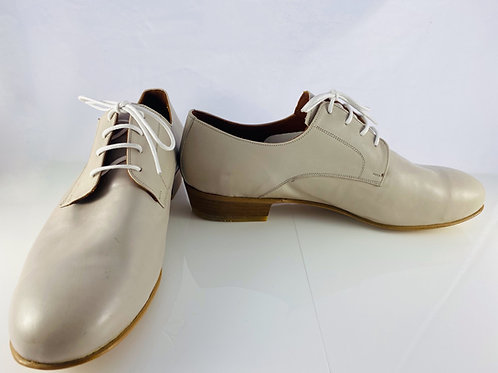 Soft Beige Classic Leather Sole