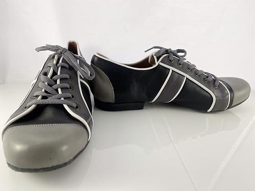 Black&Grey Sneaker White piping