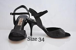 Size%2034_edited.jpg