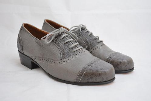 Size 42 Grey Classic Leather Sole