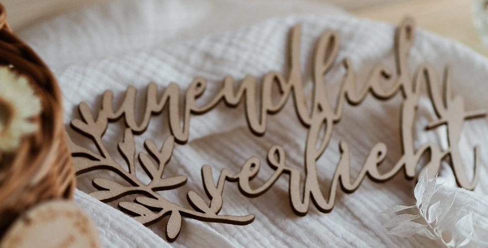 Schriftzug unendlich verliebt