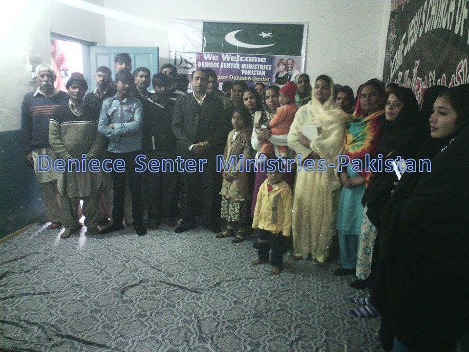 pakistan group 1.jpg