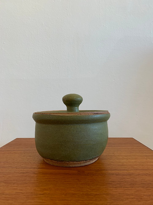 olive green pot w/ lid