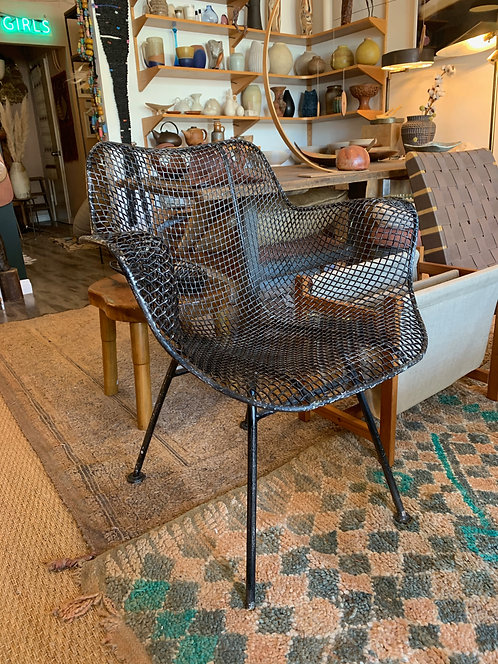 Sculptura lounge Chair by Woodard