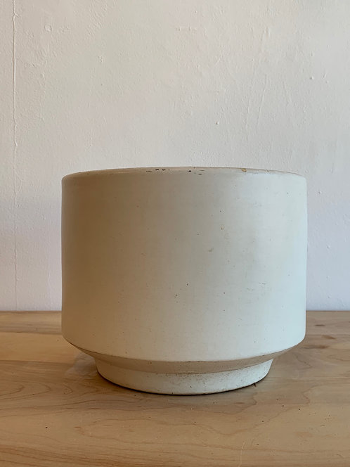 """White Ceramic """" Gainey"""" Planter"""