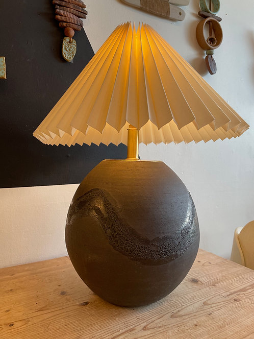 Black Fossil Lamp by Salamat