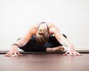 B7Y5998-yoga.jpg
