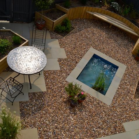 A small courtyard garden
