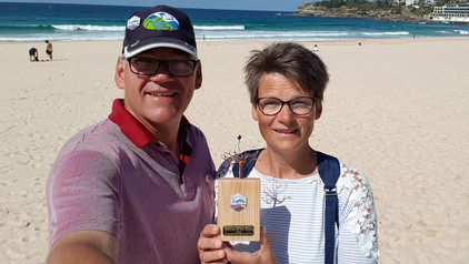 Herman and Ina Plattje with their award.