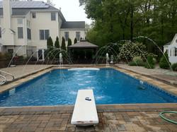 Pool w spouts