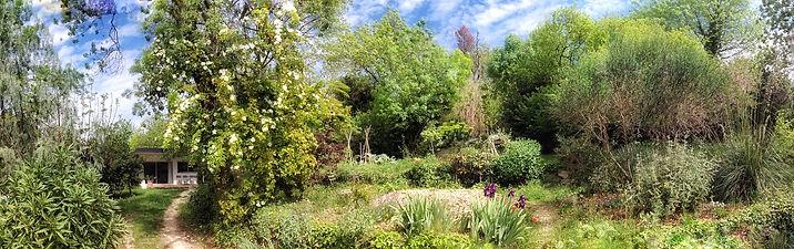 """location saisonnière / villa """"Le Pavillon Blanc"""" / 13011 Marseille / calme / grand jardin arboré / parking privé cloturé"""