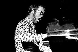 Elton_John_Hamburg_1972_1603720004.jpg