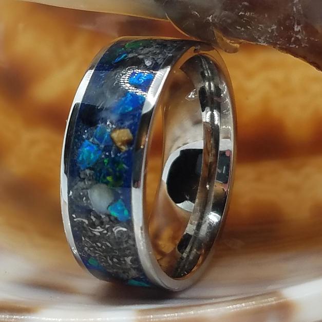 Walking Museum Ring
