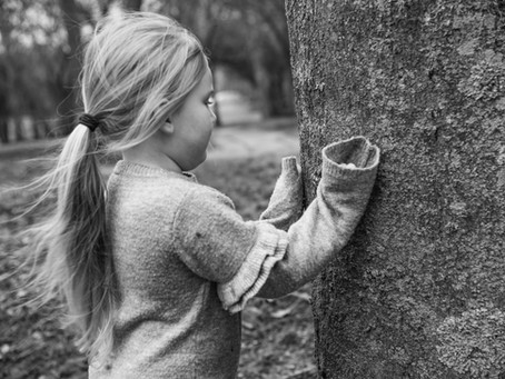 """""""Let's Go Outside!"""" The Benefits Of Outdoor Photoshoots For Children"""