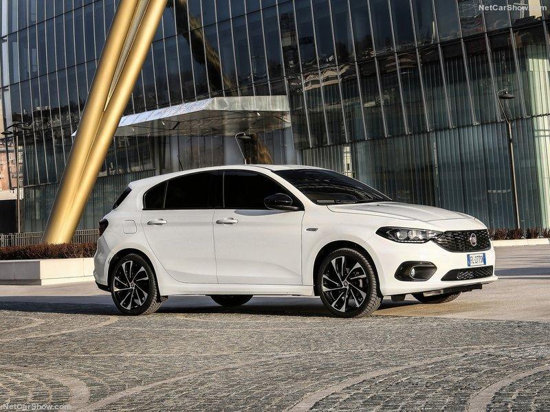 Fiat-Tipo_5-door-2017-800-09