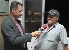 FUNCIONÁRIO JOÃO NILSON ATENDE REQUERIMENTO E COMPARECE EM SEÇÃO DA CÂMARA.