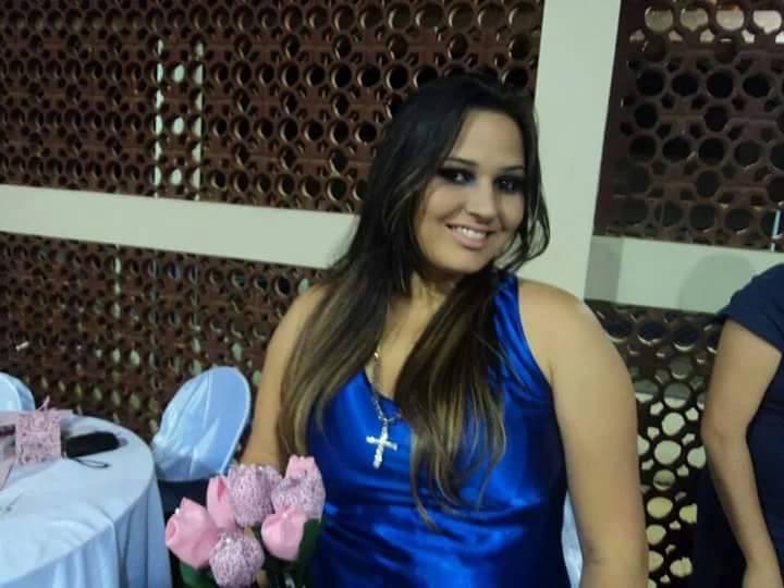 LARISSA 1.jpg